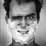 Гиф gif Мужчина в бритвенной пене, со смешным выражением лица рисунок