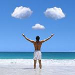 Смайлик Мужчина стоит в море подняв руки вверх, на небе облака в ... аватар