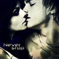 Гиф gif Парень с девушкой целуются 'never stop' рисунок