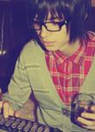 Гиф gif Парень в очках со стаканом в руке рисунок