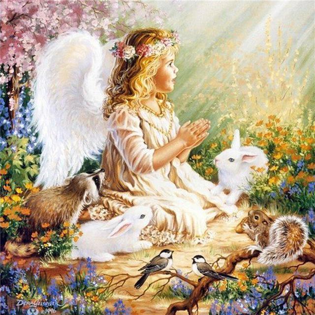 Открытки. С днем ангела! Ангел-девочка среди животных и п... картинка смайлик