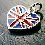 Картинка Кулон в форме сердца,раскарашенный как британский флаг анимация
