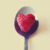 Смайлик Малина на ложке в виде сердца аватар