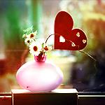 Ваза с цветами и сердцем