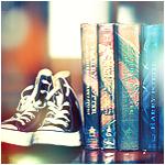 Смайлик Кеды и книги аватар